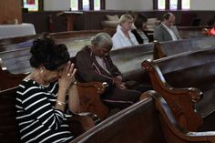 Prayers for peace: Dozens gather at Chattanooga church to honor Charleston shooting victims | Local News | Times Free Press