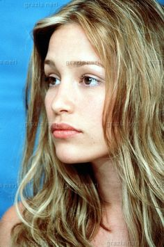 Piper Perabo: You are ugly. :)   i want to be ugly.