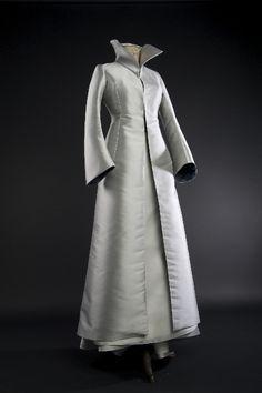 Manteau de mariée, en triple taffeta de soie, signé Edith Bréhat