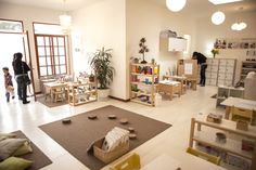 Reggio Emilia – Page 2 – A Journey Into Inquiry Based Early Learning Calm Classroom, Classroom Layout, Toddler Classroom, Montessori Classroom, Classroom Organisation, Classroom Environment, Classroom Setting, Classroom Design, Classroom Decor