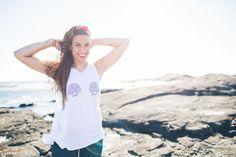 Inspiración - SomosOcéano. Moda Norte Salitre. Galifornia Camisetas para mujer. Conchas