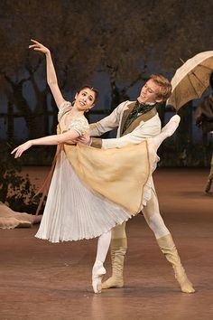 Yasmine Naghdi and Dawid Trzensimiech in Onegin, The Royal Ballet © ROH/Bill Cooper, 2013 Ballet Music, Ballet Dancers, Ballerinas, Bolshoi Ballet, Ballet Costumes, Dance Costumes, Ballerina Costume, Carnival Costumes, Aesthetic Couple