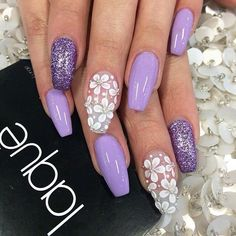 Lilac, glitter and 3D flowers