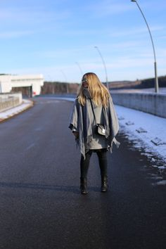Winter layering is on - wearing lots of grey layers to beat the cold temperatures! See my full winter outfit up on the blog now: http://jillepille.com/outfit-winter-layering/