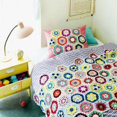 zakka collection [雑貨コレクション]|編んで広がるカラフルパターン 万華鏡みたいなかぎ針編みモチーフの会|フェリシモ