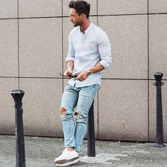 Oxford shirt with relaxed ripped denim & white sneakers men⋆ Men's Fashion Blog - TheUnstitchd.com