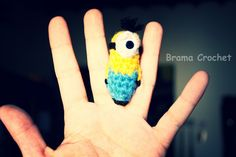 "mini Minion amigurumi, crochet ""Despicable Me"" ""Cativissimo me"" by Brama Crochet http://www.facebook.com/BramaCrochet"