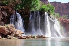 Amazing Havasu Falls in the Grand Canyon