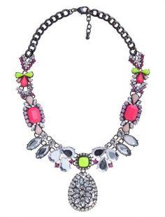 I LOOOOOOOOOVE the DIY look to this necklace!!! Neon Pink and Green Gem Necklace #JeaniusDenim