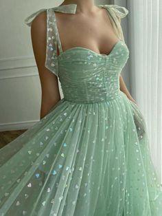 Pretty Prom Dresses, Elegant Dresses, Cute Dresses, Beautiful Dresses, Vintage Formal Dresses, Winter Prom Dresses, Dresses Dresses, Homecoming Dresses, Casual Dresses