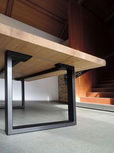 Table URBAINE The U-foot is a classic of the steel and solid wood table. The Urban table is a safe bet, a timeless design and. Steel Furniture, Home Decor Furniture, Furniture Plans, Rustic Furniture, Table Furniture, Furniture Stores, Cheap Furniture, Furniture Websites, Modern Furniture
