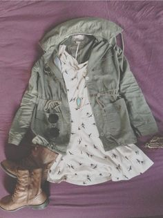 i love the jacket and boots they look awesome with this dress and they make it more casual Fall Winter Outfits, Summer Outfits, Casual Outfits, Cute Outfits, Unique Outfits, Casual Dresses, Parisienne Chic, Look Fashion, Teen Fashion