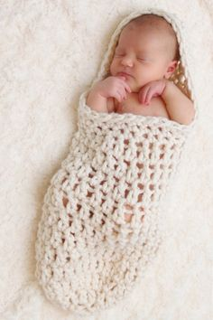 Easy Crochet Cocoon Patterns Free | have been seeing these adorable baby cocoons…