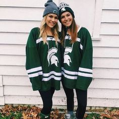 ♡ turn up the luv Hockey Outfits, College Outfits, College Girls, College Fashion, College Life, School Outfits, Tailgate Outfit, Tailgating Outfits, College Game Days