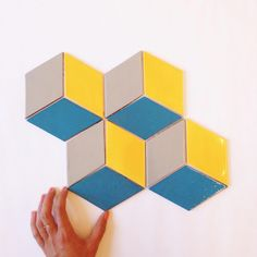 Shine bright like a Diamond Diamonds Cube - 1043 Driftwood, 24 Dandelion, 18 Bright Blue Mercury Mosaics #drdtile