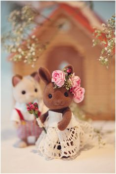 So cute so beautiful sylvanian bride bunny by line deco ❤ Sylvanian Families, Calico Critters Families, Hobby Toys, Barbie Party, Tiny World, Cute Friends, Family Outfits, Classic Toys, Lilo And Stitch
