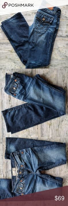 "Big Star Vintage Liv Boot 26L Big Star Vintage Liv Boot Slightly distressed jeans Size 26L Excellent condition 98% cotton 2%spandex Approximate measurements as follows  waist 14"" rise7"" Inseam 33 Big Star Jeans Boot Cut"