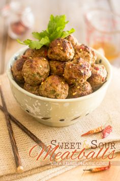 Sweet and Sour Meatballs | thehealthyfoodie.com