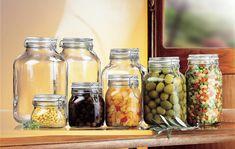 Sok zöldség és gyümölcs télen is kapható frissen, de aki szívesebben eszi a saját termést tartósítószer nélkül és általában szereti tudni, miből készült, honnan van az, ami az asztalára kerül, az nyáron elspájzolja a zöldségeket és gyümölcsöket a hideg hónapokra. A fűszerféléket szárítva vagy… Jar Storage, Food Storage, Storage Containers, Canning Jars, Mason Jars, Kilner Jars, Pots, Drinking Jars, Pickle Jars
