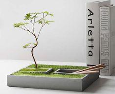 Handmade-Modern Concrete Desktop Plant Pot / Flower Pot Cement Art, Concrete Crafts, Concrete Projects, Concrete Design, Concrete Planters, Diy Planters, House Plants Decor, Plant Decor, Concrete Candle Holders