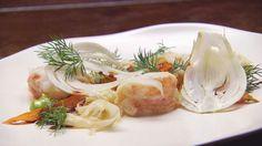 Langouste pochée au beurre avec carottes et fenouil