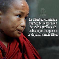 La libertad comienza cuando te desprendes de todo aquello y de todos aquellos que no te dejaban sentir libre. #libre #libertad #pensamientospositivos #rincondeltibet #happy #desprenderse #pepelanau #sentirtelibre #monje #budista