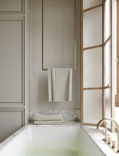 Classic Architecture, Interior Architecture, Apartment Interior, Bathroom Interior, Warehouse Renovation, Brown Bathroom, Bathroom Sinks, Bathrooms, Calacatta