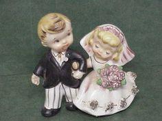 Vintage-1950s-Porcelain-Norcrest-F-270-Bride-and-Groom-Wedding-Cake-Topper