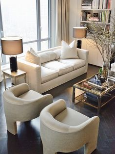 Simple living room style and decoration tips: All set to start creating your own living room design and style? Make the living room in your home beautiful with the best living room decorating tips. Check the webpage for more info. Home And Living, Room Design, Interior Design, House Interior, Home Living Room, Home, Interior, Living Room Lounge, Living Room Remodel