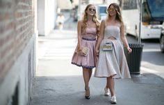 LUISAVIAROMA nos descubre las tendencias y los mejores outfits que se han visto en las últimas  semanas en París y en Milán. Confrontamos las dos semanas de la moda más influyentes. ¡No te lo pierdas y consigue los looks en LVR.COM!