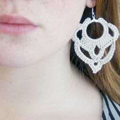 How to make easy crochet earrings. Step by Step Photo Tutorial and Pattern. (In Italian)