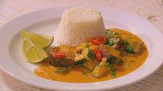 Červené kari s kachnou a cuketou Thai Red Curry, Ethnic Recipes, Food, Essen, Meals, Yemek, Eten