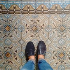 #Rio below our feet! On these last days of the Holy Week we will color our gallery with churches floors. Regardless of religion churches are home of amazing floors our feet find around the world! Join us use #fatwproject on your churches floors photos and be part of our gallery! Picture in the Church of Nossa Senhora da Conceição e Boa Morte downtown Rio. #riodejaneiro #brazil #churches #churchfloor #holyweek #easter  #Rio aos nossos pés! Nesses últimos 4 dias da semana santa vamos colorir…
