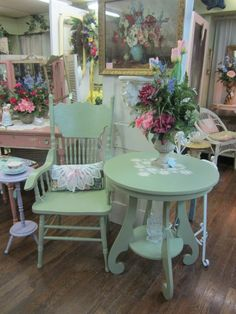 lovely side table and chair