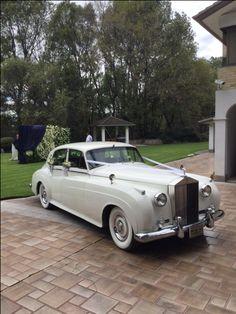 Rolls Royce Cloud 1960 Te imaginas llegar a tu boda en un auto así ? Contacta a: Rolls Royce Mexico   renta@rollsroycemexico.com info@autosantiguos.com.mx renta@unjaguar.com.mx