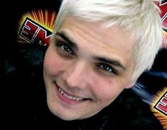 OMFG UGH HE IS SO ADORABLE<<< LIEK FOR REAL DOES NO KNE ELSE MISS THE PEROXIDE. I THINK THIS IS SO HOT.