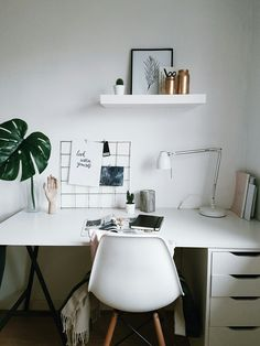 10 January New. 10 January New. 10 January Work from home: how to create the perfect study room or home office 49 inspiring home office decoration ideas 7 Study Room Decor, Cute Room Decor, Room Ideas Bedroom, Small Room Bedroom, Home Bedroom, Bedroom Decor, Bedrooms, Home Office Design, Home Office Decor