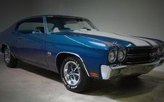 See our top 10 list of the best Classic American Muscle Cars ever produced ranging from the Boss 302 to the Pontiac GTO. Check it out! Muscle Cars List, Old Muscle Cars, Chevy Muscle Cars, Best Muscle Cars, American Muscle Cars, American Sports, Chevy Chevelle Ss, Chevy Ss, Chevrolet Corvette