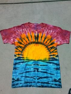 Newest Images Tie Dye DIY Sunset T Shirt – SKYDYED Concepts Because of this simple reservoir prime gown, I chose to use a black shade, a dime color, and a bord Tye Dye, Fête Tie Dye, Tie Dye Party, How To Tie Dye, How To Dye Fabric, Hippie Party, Diy Tie Dye Shirts, Diy Shirt, Shibori