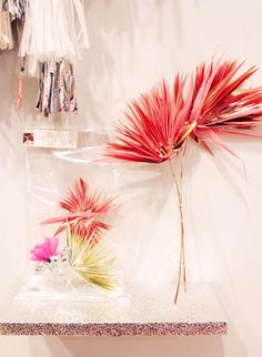 Confetti System : Flowers