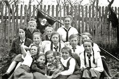 Jungmadel gruppe,the jungmadel,girls from 10-14 yrs was the predecessor to the bund deutsche madel which were for girls from 14-18 yrs,then the girls had the option to go into the reichs labour service,the SS lebensborn program,become wehrmacht(armed forces) auxiliary personnel,stay in the BDM as leaders or become housewife's,which in the eyes of the fuhrer was the most important position in the reich.