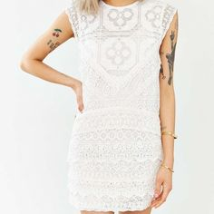 NWT Kimchi Blue lace dress NWT Kimchi Blue by Urban Outfitters lace dress! This is one of the most beautiful lace dresses I've ever seen! The details are so intricate and it would make any occasion so special! Women's size medium! Urban Outfitters Dresses