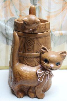 Vintage TWIN WINTON Cat Kitten Butter Churn Cookie Jar