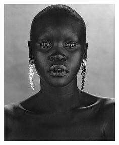 Alec Wek, black and white photo