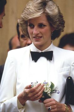 When Lady Diana on her visit to Italy famously wore pure white shirt with black bow tie she proved to the world ladies too can rock the bow ties. Description from amakadesign.com. I searched for this on bing.com/images