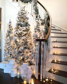 How To Make House Decor With Farmhouse Christmas Design 15 Flocked Christmas Trees, Cozy Christmas, Christmas Design, White Christmas, Elegant Christmas Decor, Winter Wonderland Christmas, Xmas Trees, Christmas Quotes, Christmas Pictures
