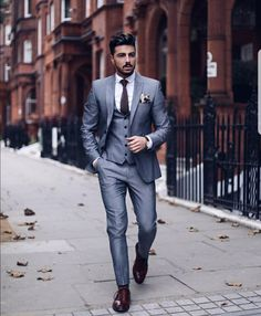 Dashing Formal Outfit Ideas for Stylish Men 23 Moda Formal, Style Masculin, Look Man, Dapper Men, Mens Fashion Suits, Mens Suits, Suit And Tie, Stylish Men, Look Fashion