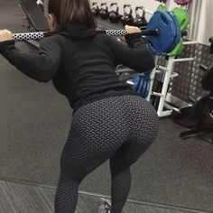 """6,790 Likes, 174 Comments - KrissyCela (@krissycela) on Instagram: """"Need a good old booty pump! My poor little legs and booty are sooo sore after this ! ☝ Method:…"""""""