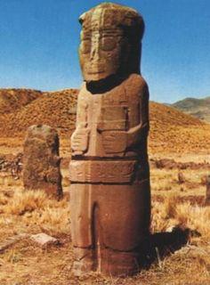 "Tiahuanaco, Monolito, ""Frailo"" (en aimará ""piedra principal""), oferente, características antropomórficas"