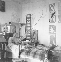 Matisse painting from bed